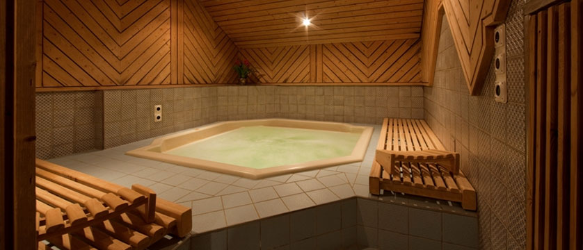 Hotel Allalin, Saas-Fee, Switzerland - jacuzzi.jpg